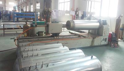 卡兰纳德水箱焊接生产线